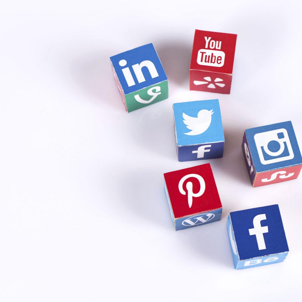 6_social-media